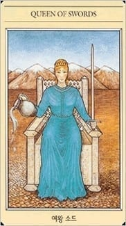 Карта Королева Мечей из колоды Мифологическое таро
