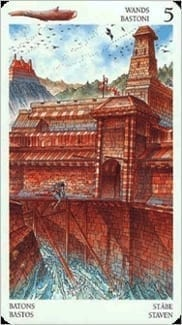Карта Пятерка Жезлов из колоды Таро Мистерии Авалона
