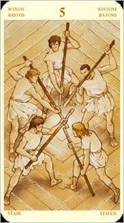 Карта Пятерка Жезлов из колоды Таро Святой Грааль