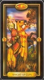 Карта Рыцарь Чаш из колоды Золотое Таро